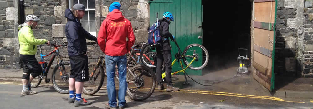 Cleaning Bikes After A Tweedlove Enduro Race In Innerleithen